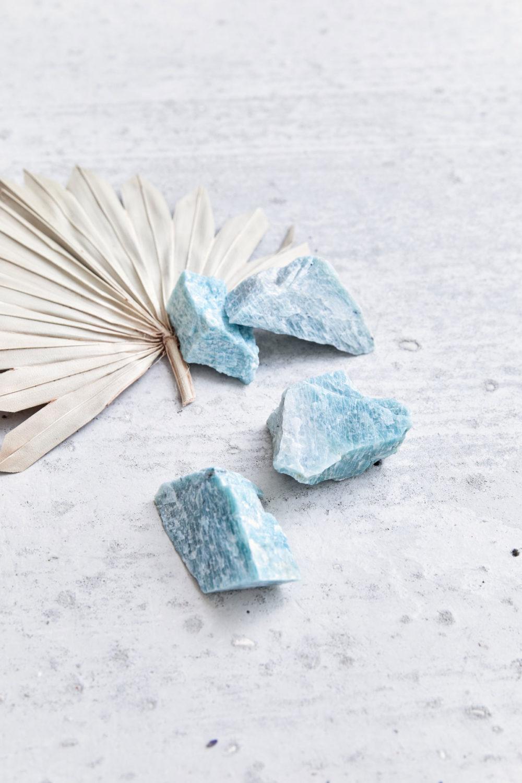 PURE BLISS – Dein Amazonit Rohstein Edelsteine crystals und Trockenblume, NAIONA.