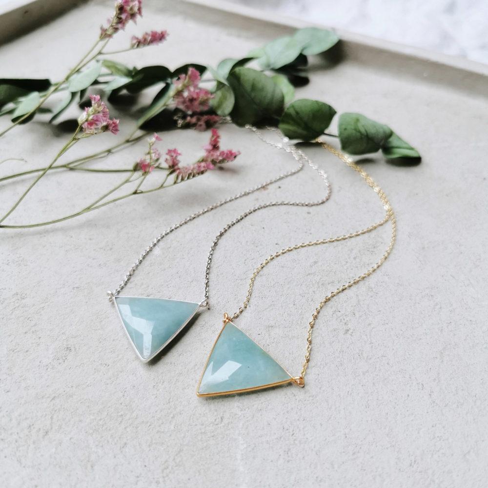 LOVING COMPASSION Kette gold silber – WANDAFUL COLLECTION mit Aquamarin und NAIONA Plättchen. Trockenblumen, Eukalyptus.